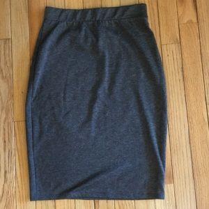 La hearts size medium grey skirt